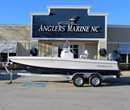2017 Robalo 206 Cayman Navy Bottom All Boat