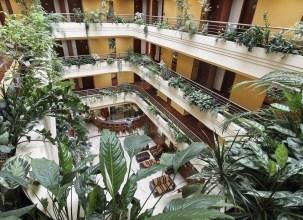 Airport Hotel Budapest - 5