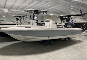 2021 Robalo 206 Cayman Alloy Gray (ON ORDER) Boat