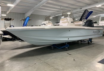 2021 Robalo 206 Cayman Ice Blue  Boat