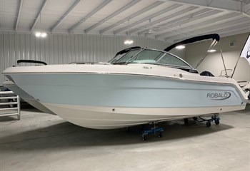 2021 Robalo R227 Ice Blue/White  Boat