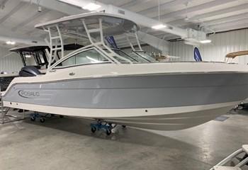 2020 Robalo R247 liquid-unknown-field [type] Boat