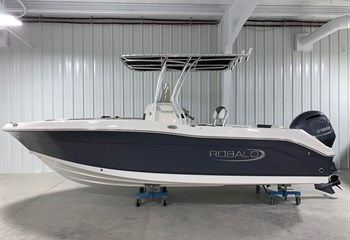 2021 Robalo R202 Explorer Shark Gray/White Boat