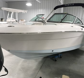 2019 Robalo R227 liquid-unknown-field [type] Boat