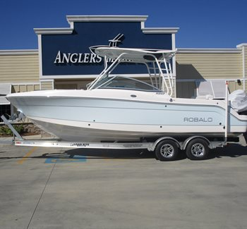2019 Robalo R247 Ice Blue New Boat